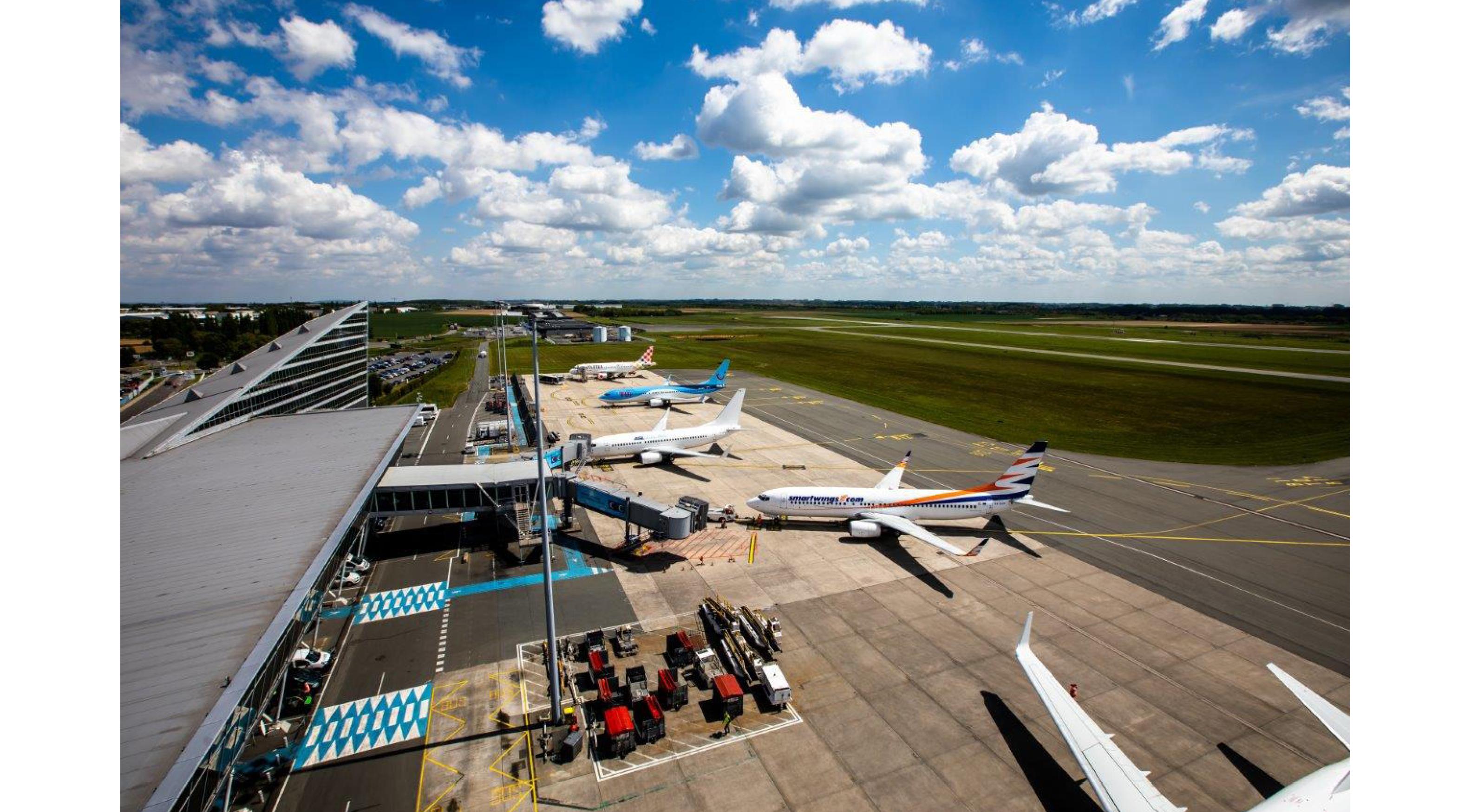 Recadrage photos site web aeroport3